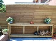 Lage tafel tevens houthok